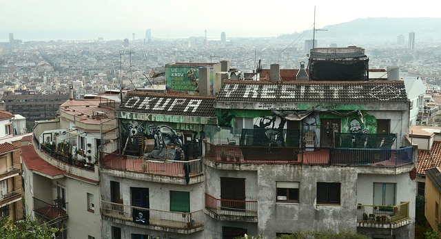 nápis na střeše