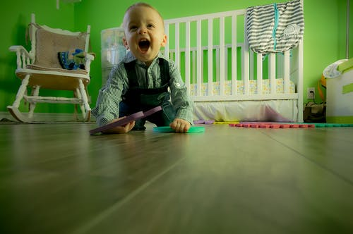 Jak by to mělo vypadat u dětí v pokojíčku? Vybavte jim ho stylově a přesto chytře!