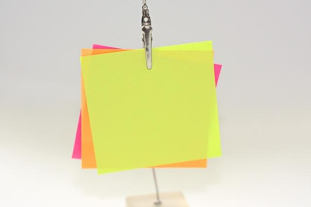 samolepicí papírky